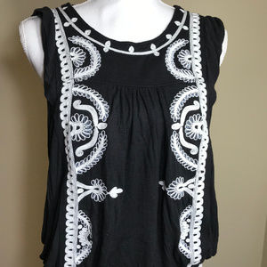 Free People XS Black & White Embroidered Blouse